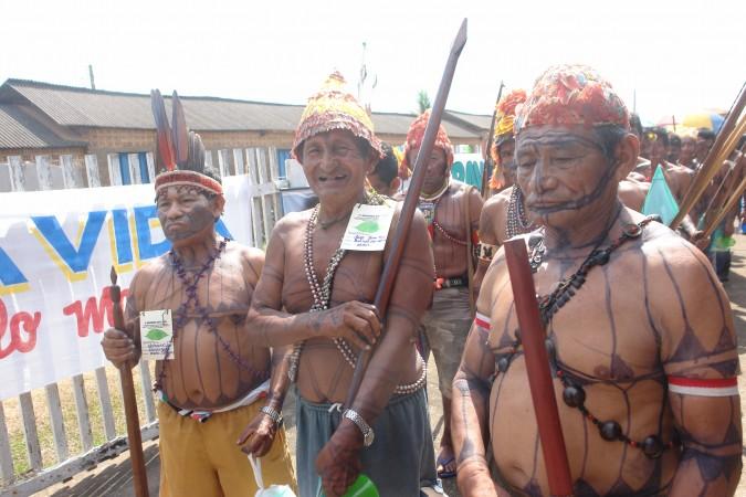 Manifestación de indígenas en contra de la construcción Usinas de Tapajós