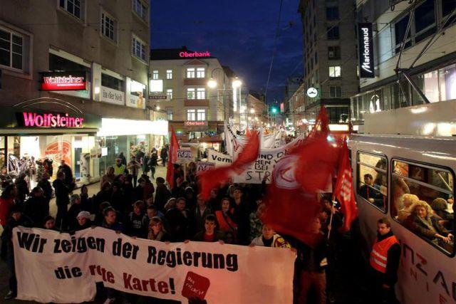 Marcha en Linz, Austria Foto: Weihbold