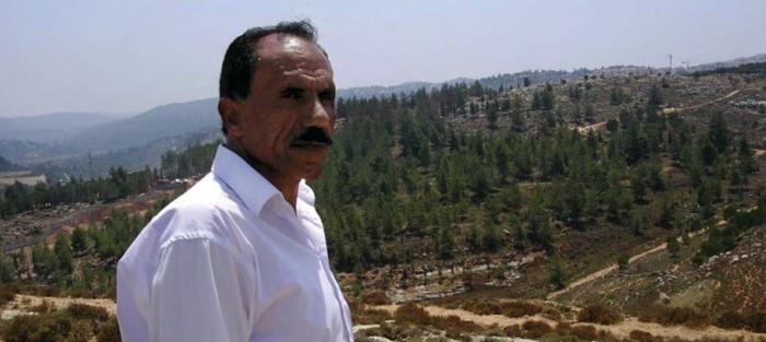 Abu Shadi, jefe del consejo de Beit Iksa, donde han sido confiscado terrenos.