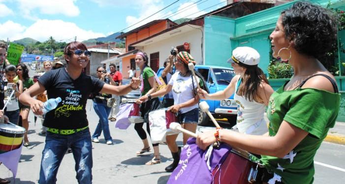Batucada de la Marcha de las putas en Nicaragua