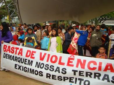 Manifestação dos Guarani-Kaiowá em Dourados, MS