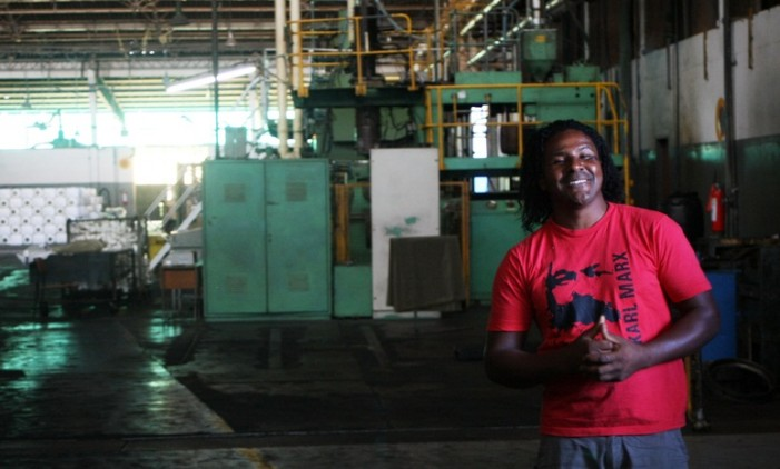João, trabajador de la fábrica Flasko