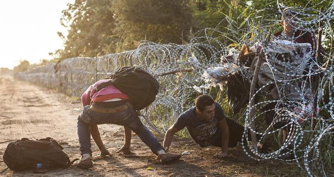 refugiados-hungrraefe_20150827_105041_pa2454_11