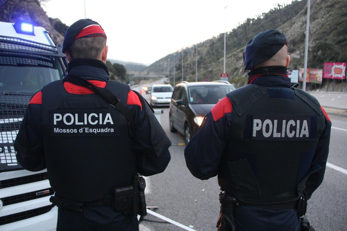 Control-Mossos-dEsquadra-Jonquera-ACN_ARAIMA20140311_0188_1