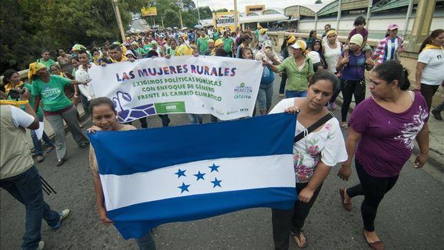 Ecologistas-marchan-Honduras-medidas-climatico_EDIIMA20151126_0802_4