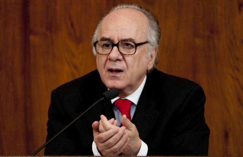 2011.05.09 - Debates AL - Intolerancia: Violencia e Desagregacao Social, com o sociologo Boaventura