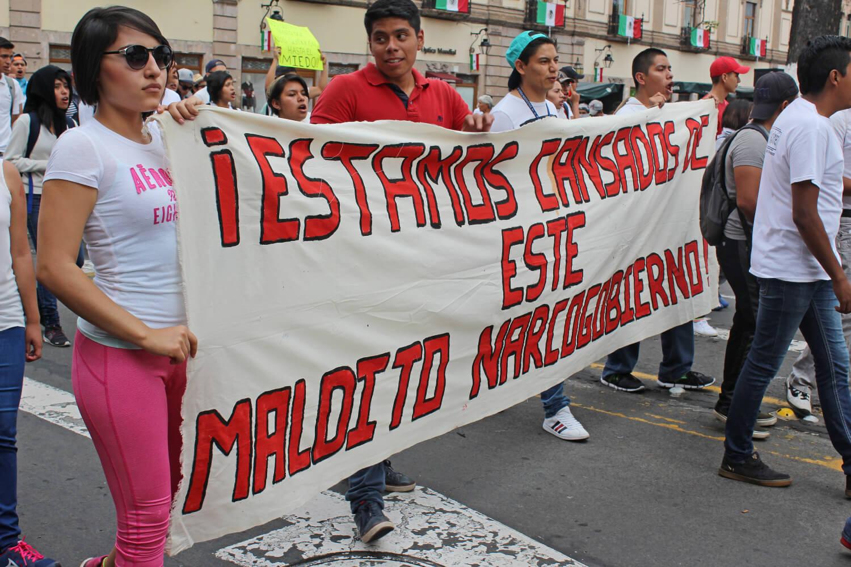 normalistas marchas (3)