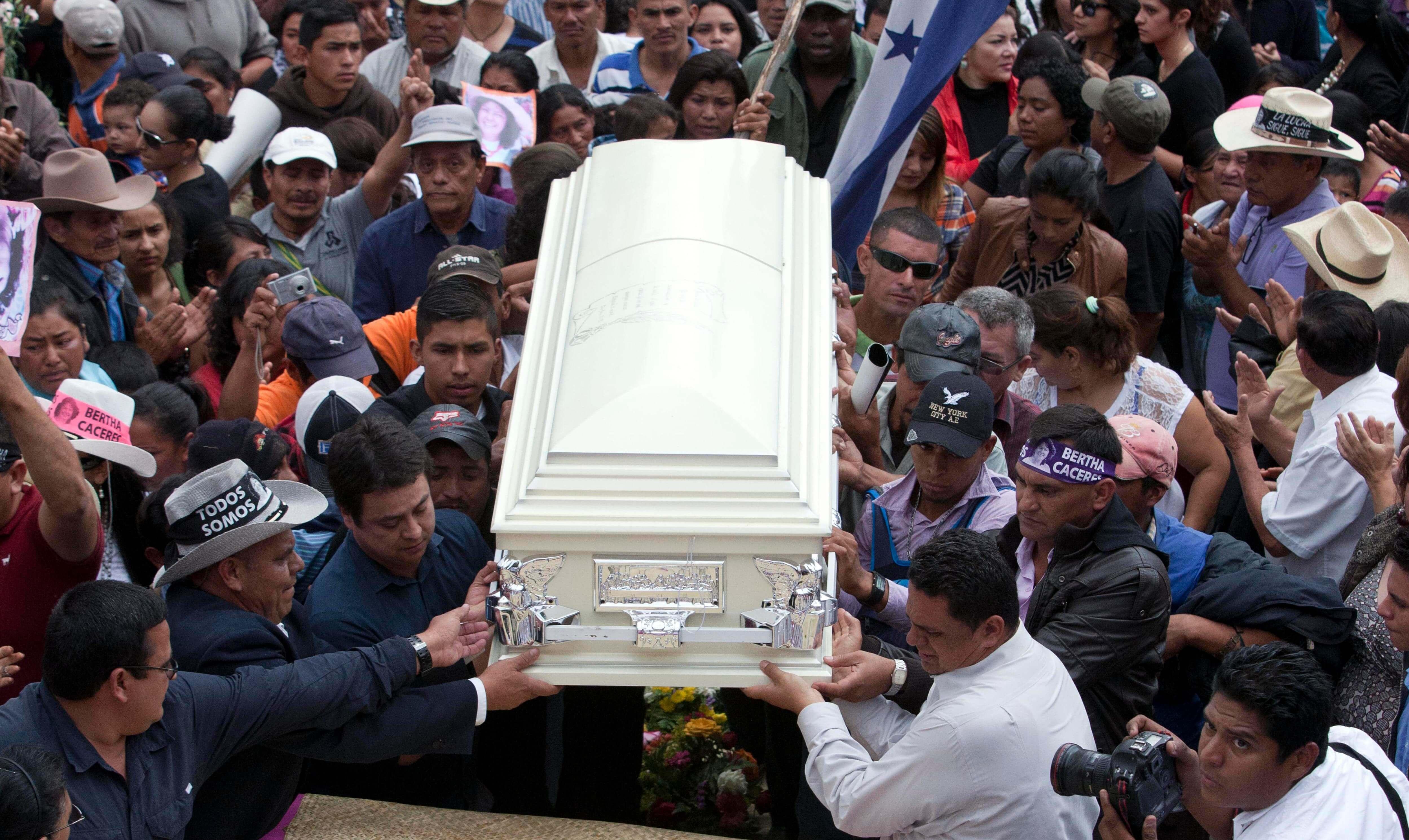 Berta-funeral-7-UN-copia