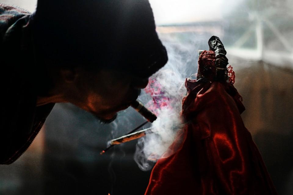 La Santa Muerte en Tepito: el rito de cada primero de mes a