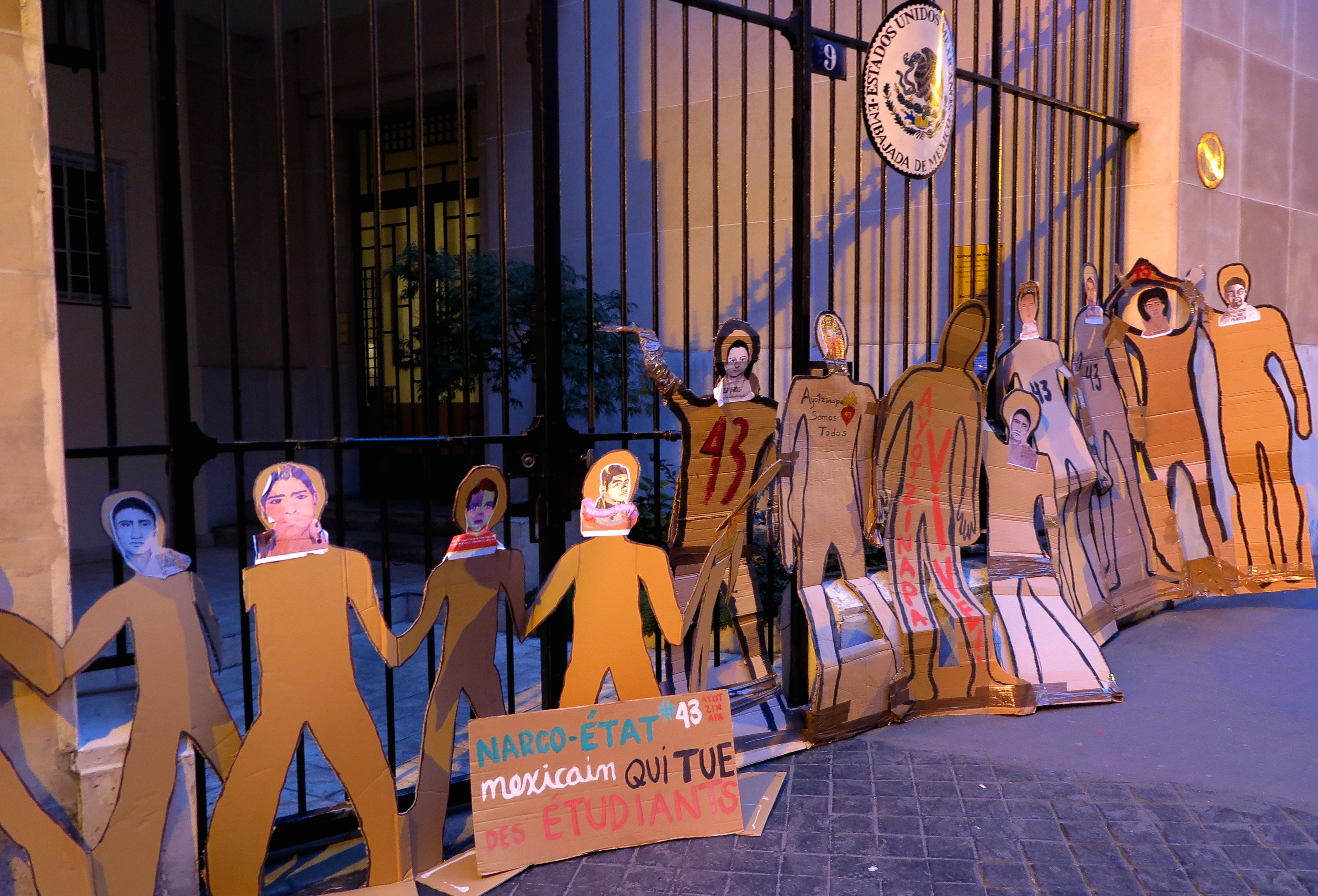 Colectivos París Ayotzinapa