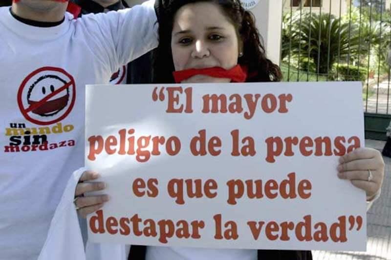 Resultado de imagen para MORDAZA A LOS PERIODISTAS EN COLOMBIA
