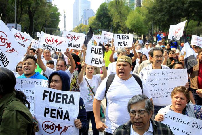 Resultado de imagen para fuera peña protesta gasolinazo