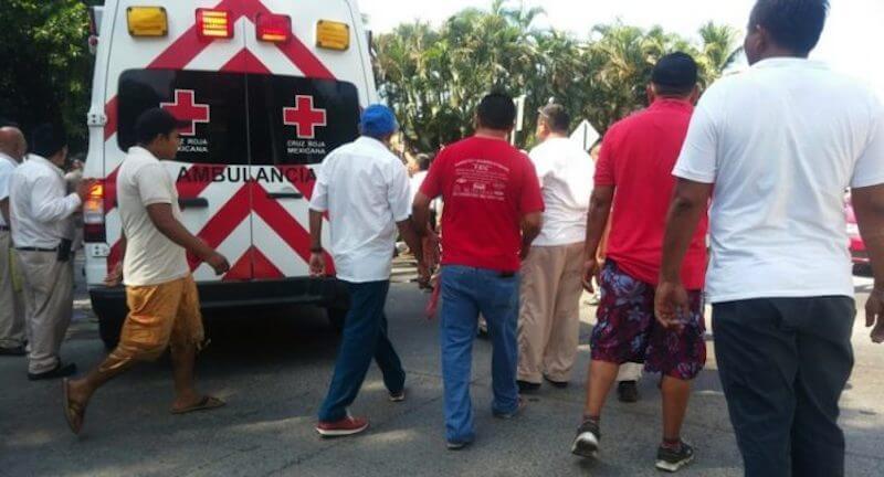 protesta-transportistas-zihuatanejo-697x376