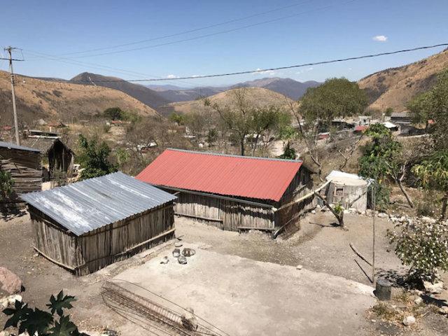 23022017 Quetzalcoatlan, Guerrero.- Pueblo  de Quetzalcoatlan municipio de Zitlala donde varios pobladores lo han abandonado por la violencia. Foto: Lenin Ocampo Torres