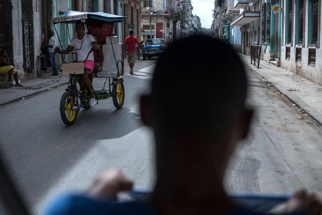 LA HABANA, CUBA, 20MARZO2016.- Barack Obama, presidente de Estados Unidos, visitará el país durante dos días como parte de las nuevas relaciones diplomáticas y de algunos cambios adoptados para mejorar la relación Cuba-EEUU. En 1928, se realizó la última visita de un mandatario norteamericano en la isla, Calvin Coolidge. Está tarde llegará y recorrerá una zona de la Habana vieja.  FOTO: ADOLFO VLADIMIR /CUARTOSCURO.COM