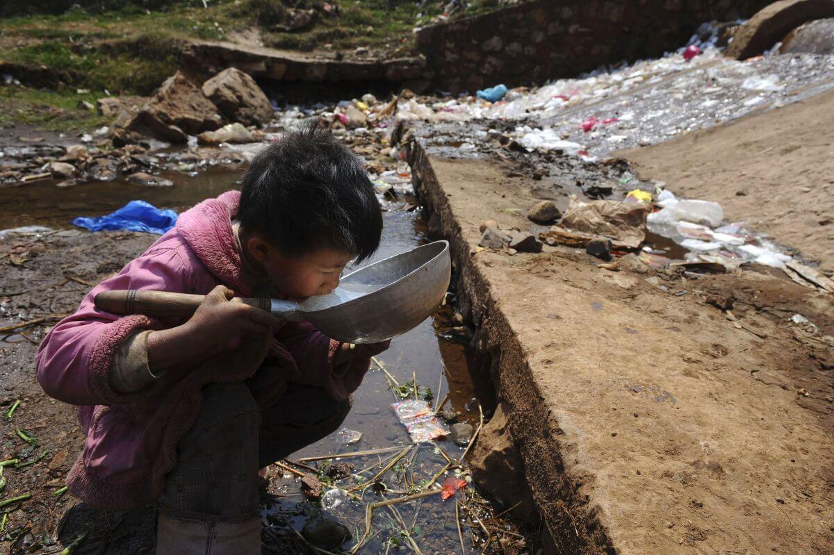 agua contaminada copia