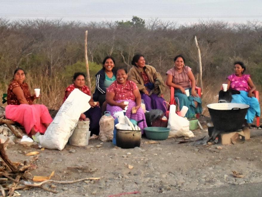 mujeres puerto madera 2-1024x768-2