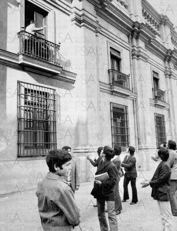 Allende Ultimo-Saludo-Salvador-Allende