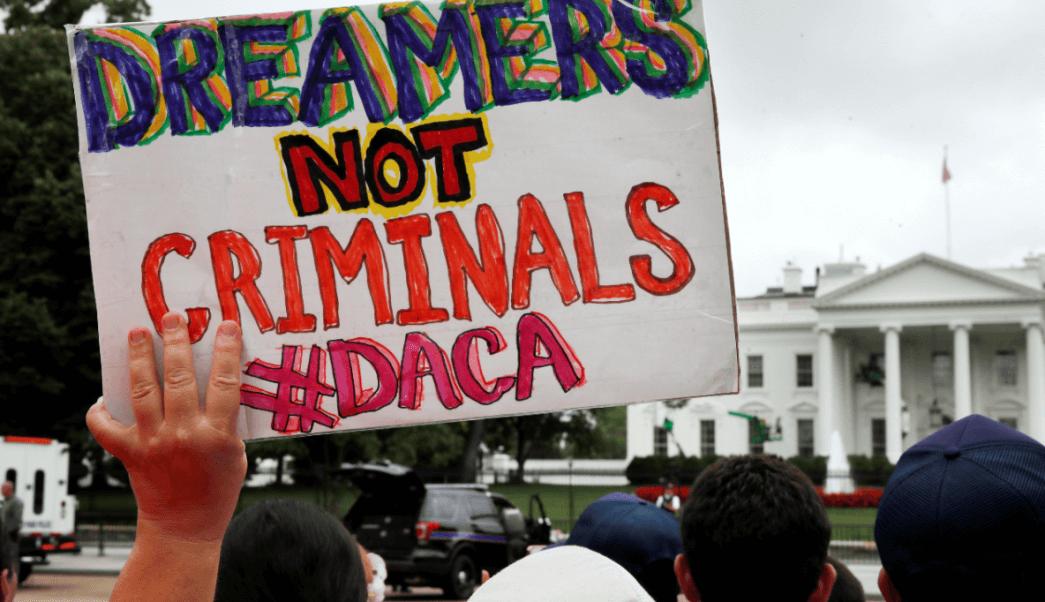 dreamers-no-son-criminales-dice-un-letrero-durante-una-manifestacion-en-washington-ap