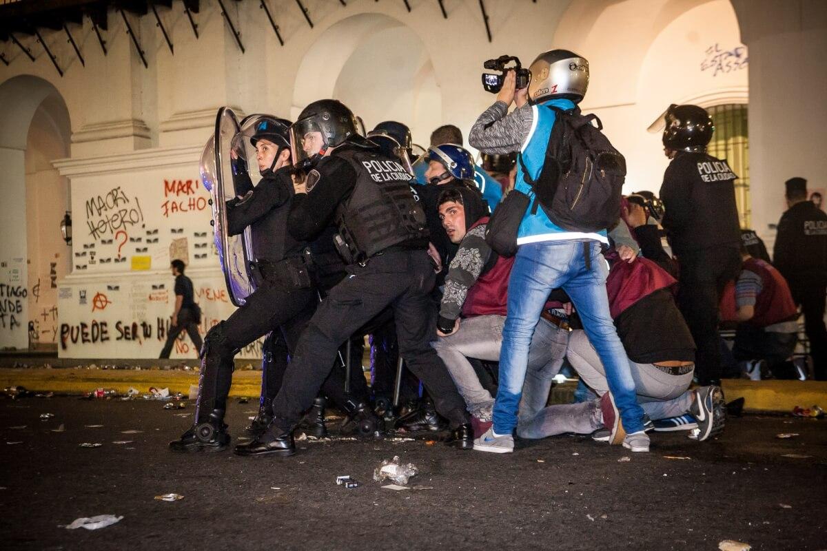 represión santiago 7