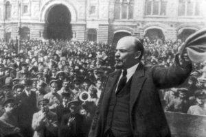 Lenin-y-la-Revolución-Socialista-de-Octubre-1-580x386