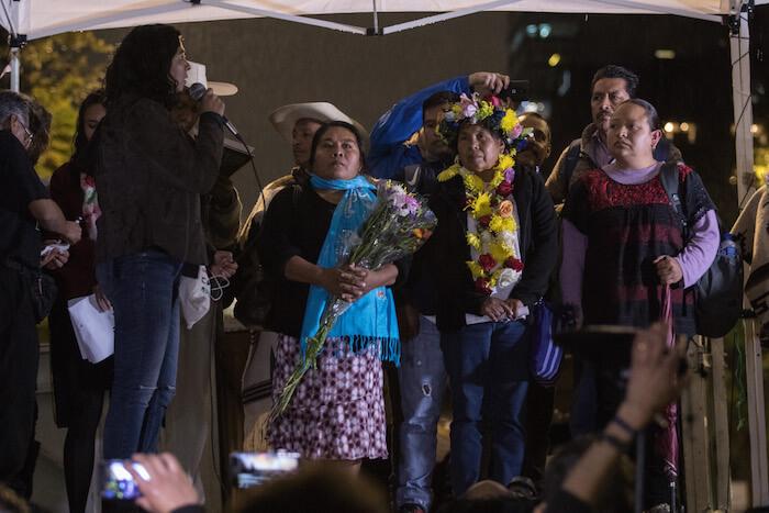 CIUDAD DE MÉXICO, 24ENERO2018.- Maria de Jesús Patricio Martínez, vocera del Concejo Indígena de Gobierno y aspirante como candidata independente a la presidencia de México, tuvo un encuentro con simpatizantes y redes de apoyo de la Ciudad, como parte de su recorrido para invitar a firmar por su propuesta y organizarse junto con el Congreso Indígena. FOTO: ADOLFO VLADIMIR /CUARTOSCURO.COM