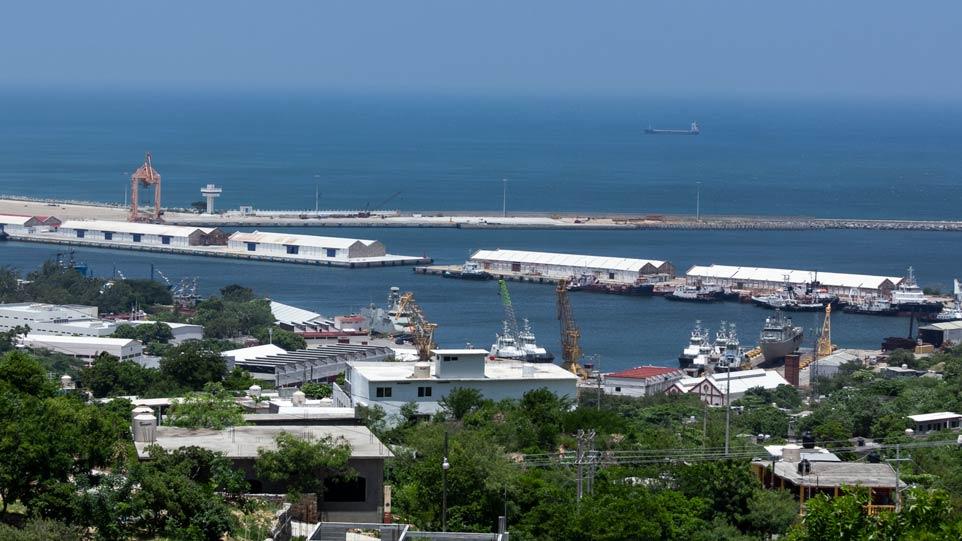 Amparo obliga a Semarnat a realizar consulta para modernización de puerto de Salina Cruz